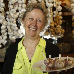 Sustainable Home Grown Garlic with Penny Woodward @ Edendale Community Enviroment Farm | Eltham | Victoria | Australia